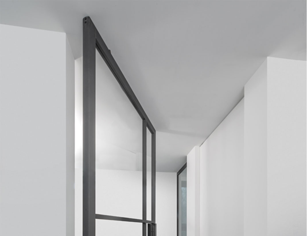 "Pivot Doors Model ""SVING"" Glass"