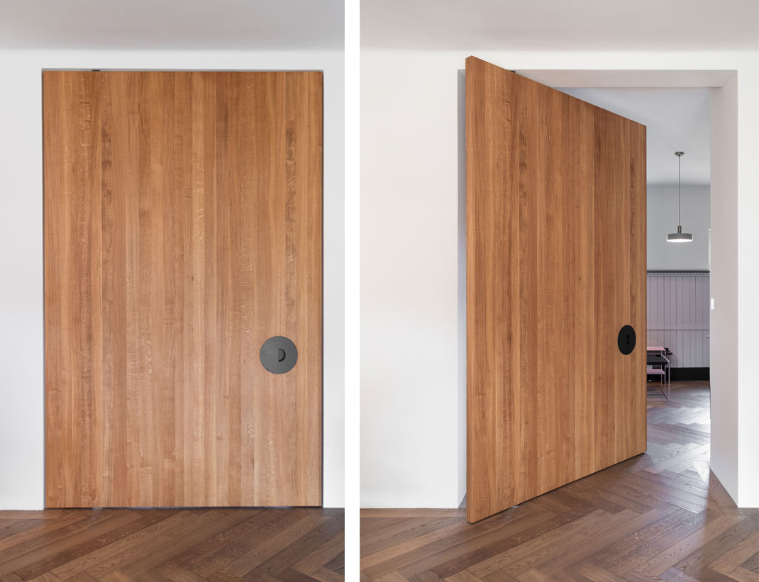 "Pivot Doors Model ""SVING"" Wood"