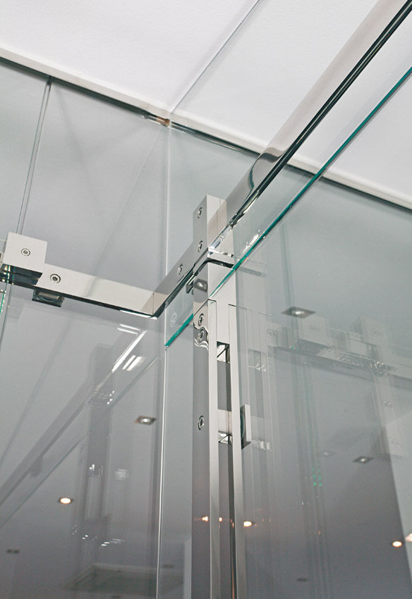 "Pivot Door Model ""Akzent"" Shower System"