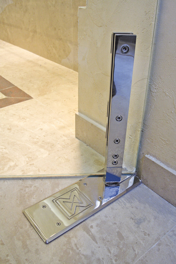 "Pivot Door Model ""Akzent"" Shower System Detail"